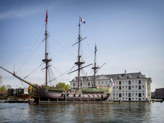 VOC spedisce Amsterdam
